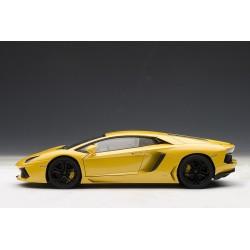 Lamborghini Aventador LP700-4 - 2011 - Giallo Orion (Metallic Yellow)