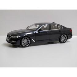BMW 5 serie G30 M sport *1/18*