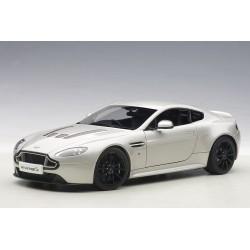 Aston Martin V12 Vantage S...
