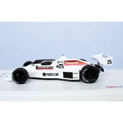 Porsche Type 940 n°25 Interscope Racing